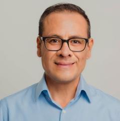 Julio Cisneros Photo